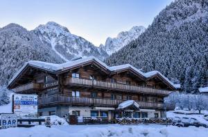 Alpen Chalet - Hotel - Schilpario