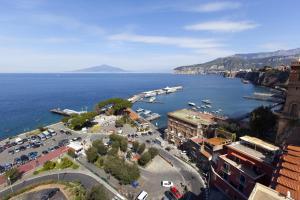 AMORE RENTALS - La Terrazza Sul Porto - AbcAlberghi.com