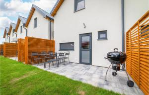 Stunning home in Rewal with WiFi Heated swimming pool and 2 Bedrooms