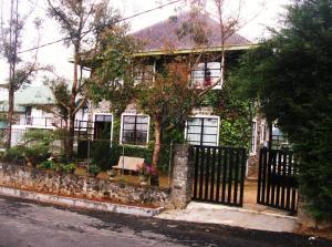 Gal Bangalawa - Rock Bungalow, Prázdninové domy  Nuwara Eliya - big - 15