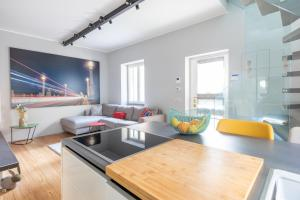 INDEPENDENT DESIGN HOUSE - abcRoma.com