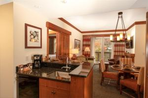 2 BR Lodge at Spruce Peak - Hotel - Stowe