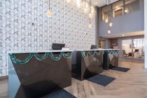 Sandman Signature Ottawa Airport Hotel