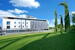 One Hotel & Restaurant