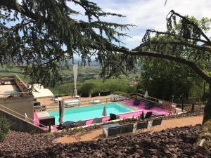 Location gîte, chambres d'hotes Auberge Les Hauts De Chenas dans le département Rhône 69