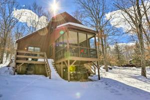 Pet-Friendly Poconos Getaway with Resort Perks! - Hotel - Lackawaxen
