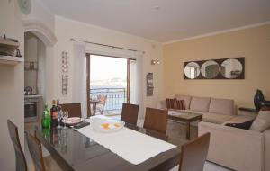 Ascot By The Sea, Apartmány  St Paul's Bay - big - 16