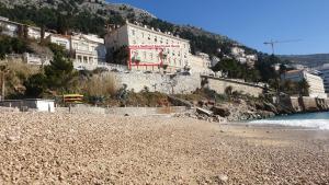 Luxury Seafront Apartment Banje