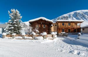 Chalet Berghof Sertig - Hotel - Clavadel