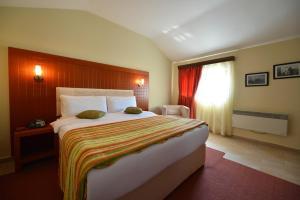 City Hotel Tirana, Тирана
