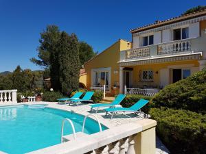Villa Sainte Maxime golf de st Tropez avec piscine