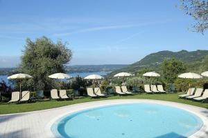 Residence Borgo Degli Ulivi, Apartmánové hotely  Gardone Riviera - big - 34