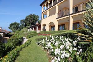 Residence Borgo Degli Ulivi, Apartmánové hotely  Gardone Riviera - big - 28