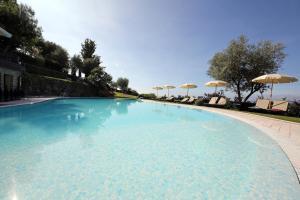 Residence Borgo Degli Ulivi, Apartmánové hotely  Gardone Riviera - big - 36