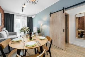 Premium Apartments Poznan Airport by Renters