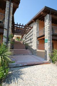 Residence Borgo Degli Ulivi, Apartmánové hotely  Gardone Riviera - big - 26