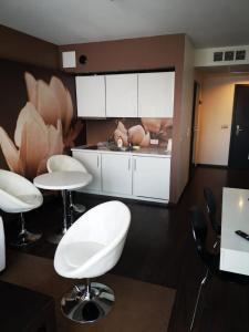 Apartament salon z sypialnią w hotelu Diva