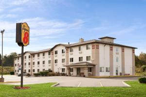 Super 8 by Wyndham Johnstown, Отели  Johnstown - big - 11