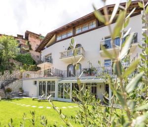 Caldaro Hotels
