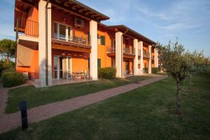 Holiday home in Sirmione - Gardasee 38480 - AbcAlberghi.com