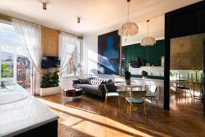 Unfound Door - Design Hotel
