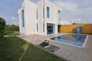 Hermosa Casa 3 Habitaciones Piscina y Jacuzzi Flandes Tolima