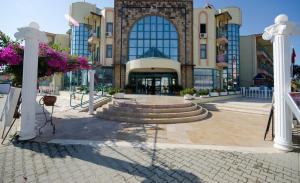 Ces Park Hotel Side