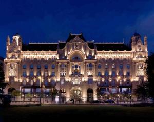 Four Seasons Hotel Gresham Pal..