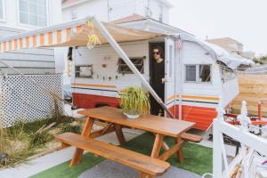 80s Surf Camper in Rockaway Beach