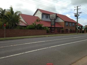 Francis Phillip Motor Inn and The Lodge