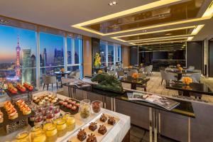 Four Seasons Hotel Shanghai at Pudong (10 of 34)