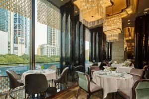 Four Seasons Hotel Shanghai at Pudong (14 of 34)
