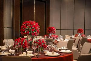 Four Seasons Hotel Shanghai at Pudong (19 of 34)