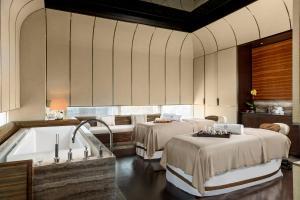 Four Seasons Hotel Shanghai at Pudong (21 of 34)