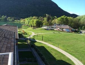 Residence Borgo Del Cigno, Apartmanhotelek  Spinone Al Lago - big - 11