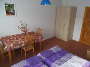 Apartmány Zlín, Penzióny  Zlín - big - 3