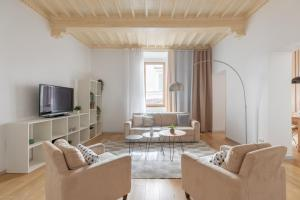 iFlat Elegant White Apartment - abcRoma.com