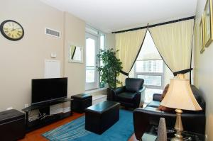 Whitehall Suites - Mississauga Furnished Apartments, Apartments  Mississauga - big - 18