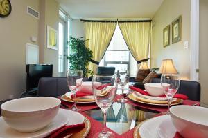 Whitehall Suites - Mississauga Furnished Apartments, Apartments  Mississauga - big - 17