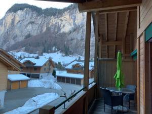 Beautiful top floor apartment - Hotel - Lauterbrunnen