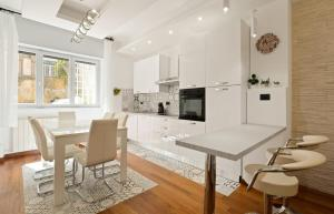 3 bed modern flat - 15 minutes walk to Colosseum - abcRoma.com