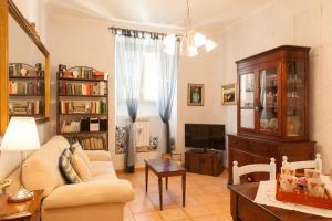 Elisa's House - abcRoma.com
