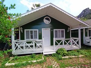 Отель Lukkies Lodge Cirali, Чиралы