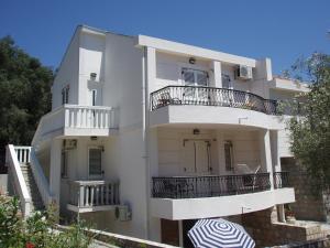 3 star apartma Apartments Medin Danilo Petrovac na Moru Črna gora