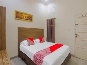 OYO 90327 Hotel Faradisa Syariah