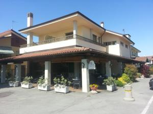 Borgonuovo, Hotely  Marene - big - 12