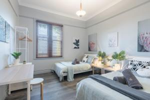Boutique Private Rm situated in the heart of Burwood 3 - ROOM ONLY