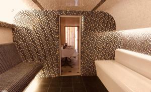 Uyut Tamani, Hotels  Volna - big - 34
