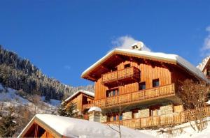 Chalet de 5 chambres a Champagny en Vanoise avec magnifique vue sur la montagne terrasse amenagee et WiFi