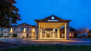 Best Western Fostoria Inn & Suites - Hotel - Fostoria